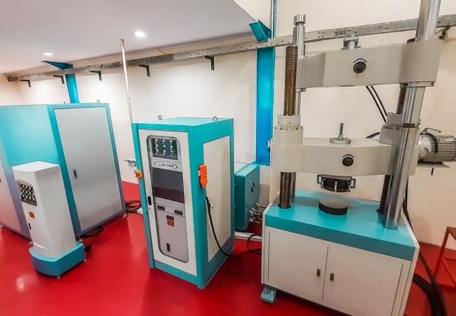 Laboratorium Uji Bahan Kampuh Indonesia-0822 3513 3331
